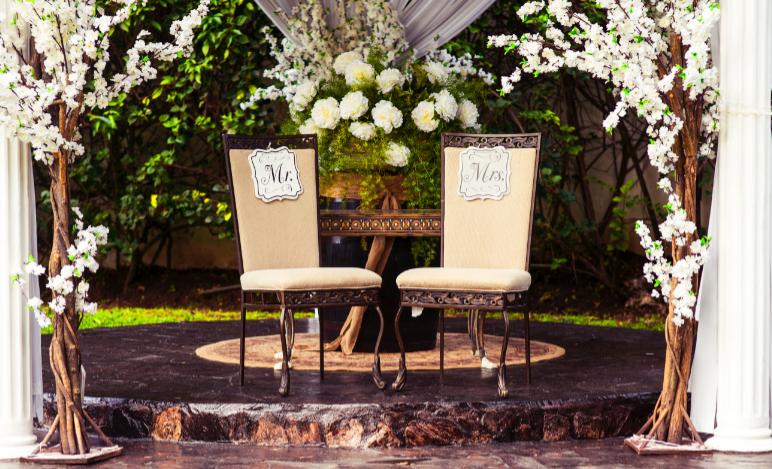 Na co zwrócić uwagę w ofertach domów weselnych?